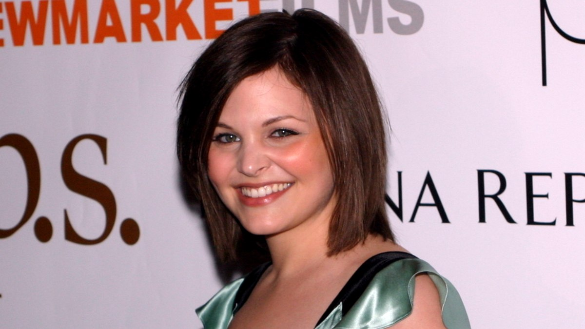 Ginnifer Goodwin Medium Just Above The Shoulders Bob