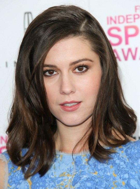 Mary Elizabeth Winstead Simple And Elegant Just Past The