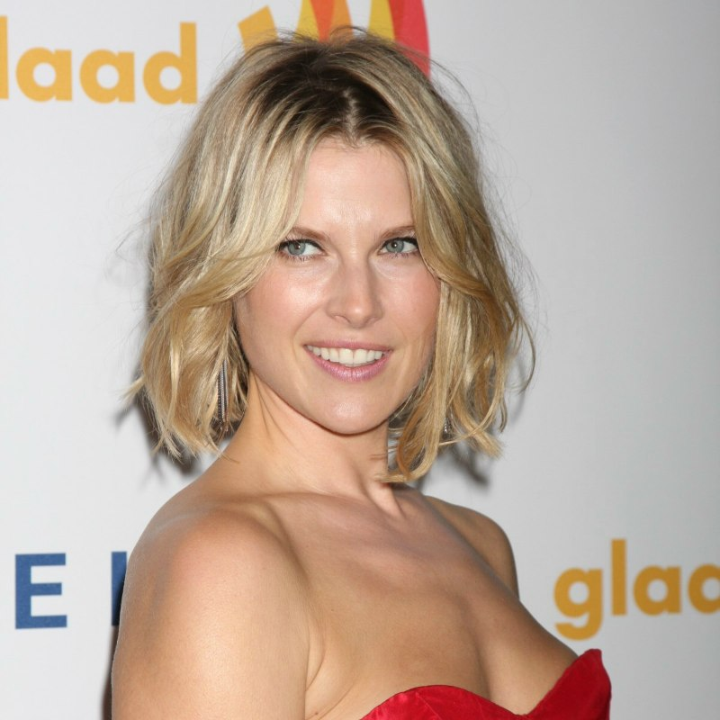 Ali Larter Past The Chin Hair With A Thick And Full Feel