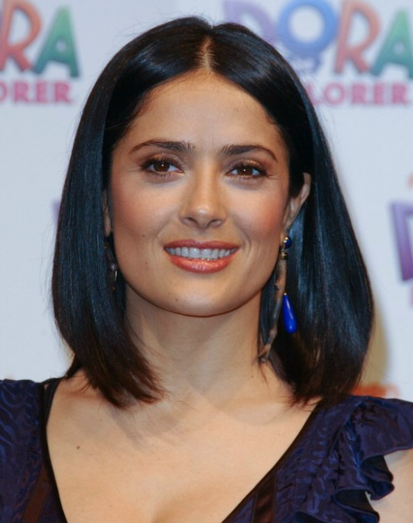 Salma Hayek Easy To Keep Neck Length Hairstyle For A