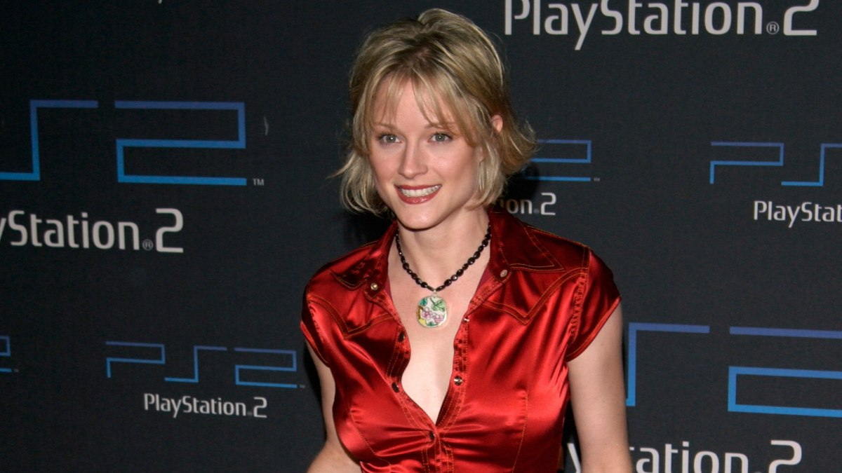 Teri Polo Young Short And Refreshing Above The Collar