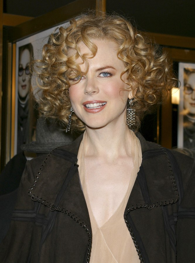Nicole Kidman With Short Curly Hair Shirley Temple Look