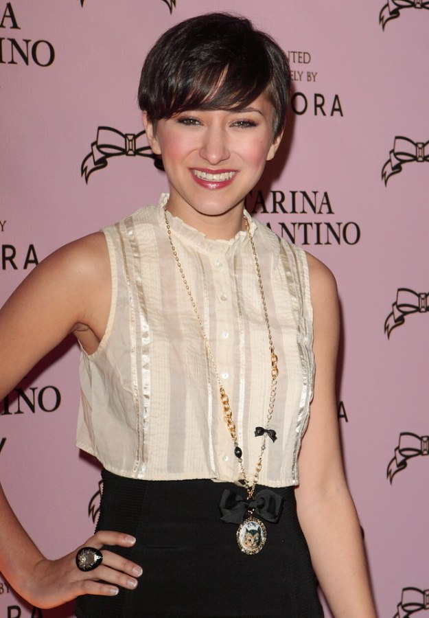 Zelda Williams Short Hairstyle An Easy Keeper And Ready