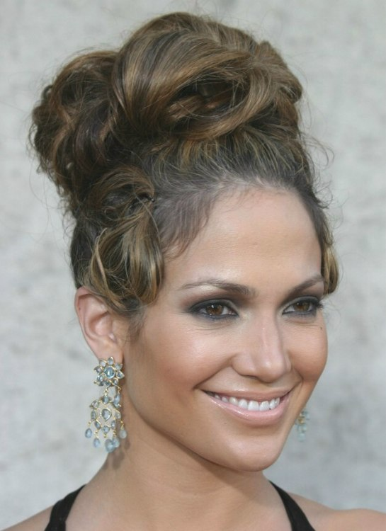 Jennifer Lopez With Her Hair In A High Updo With Curls