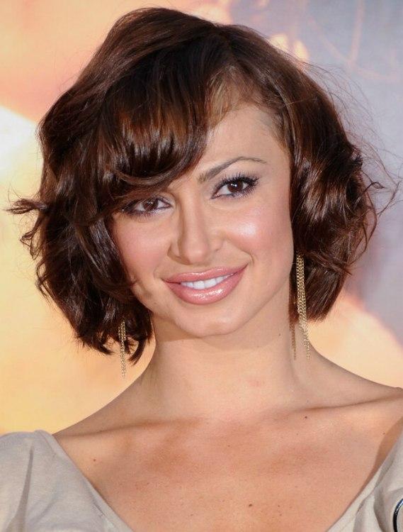 Karina Smirnoffs New Short Hair With Round Curls