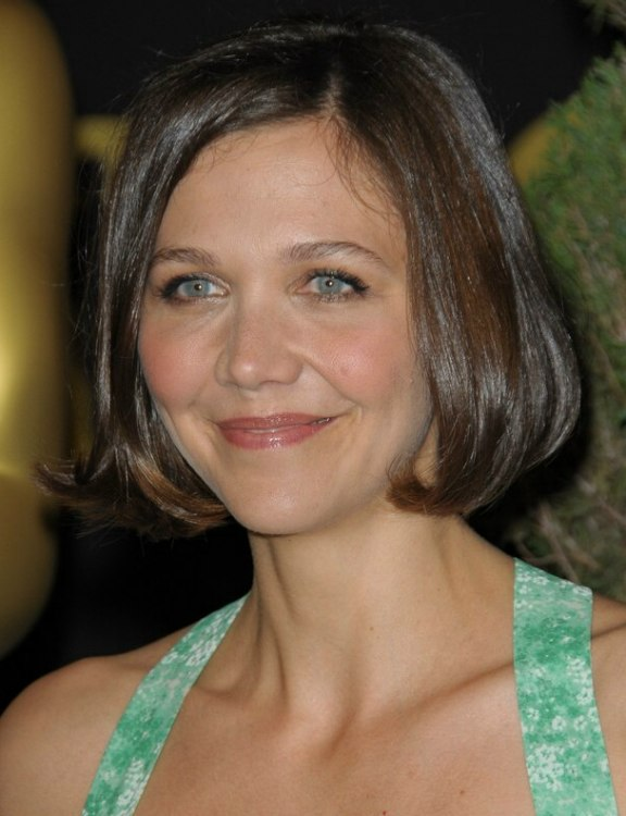Maggie Gyllenhaals Short Bob Hairstyle With The Hair