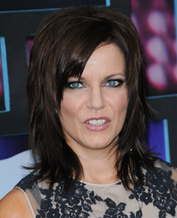 Martina McBride Wearing Her Hair In A Long Layered Shag