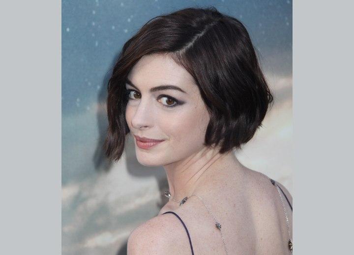 Anne Hathaway Wearing Her Hair In A Short Wavy Bob