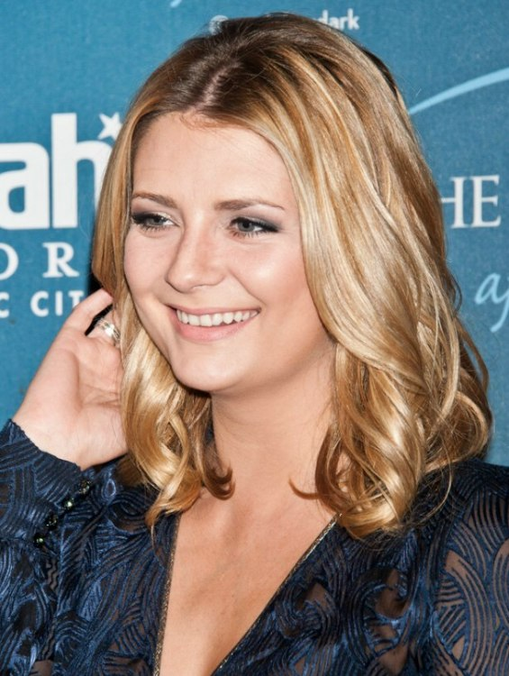 Mischa Barton Practical Shoulder Length Hairstyle With