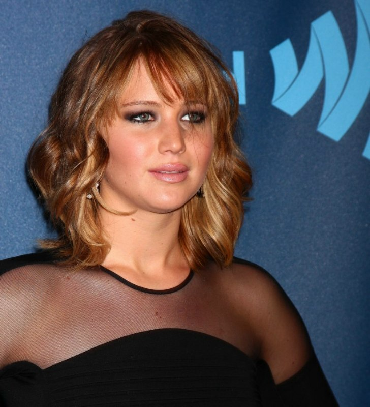 Jennifer Lawrence Wearing Her Ombre Hair In A Bob With Curls