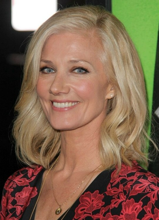 Joely Richardson Shoulder Length Hair Curled In Soft