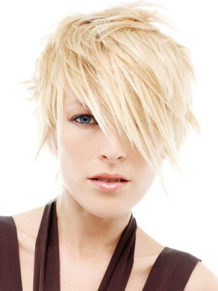 blonde haare frisuren frisur2012. Black Bedroom Furniture Sets. Home Design Ideas