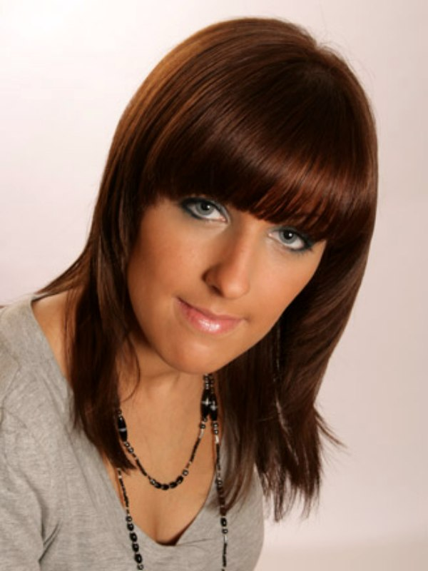Easy Medium Length Hairstyle With Heavily Layered Hair And