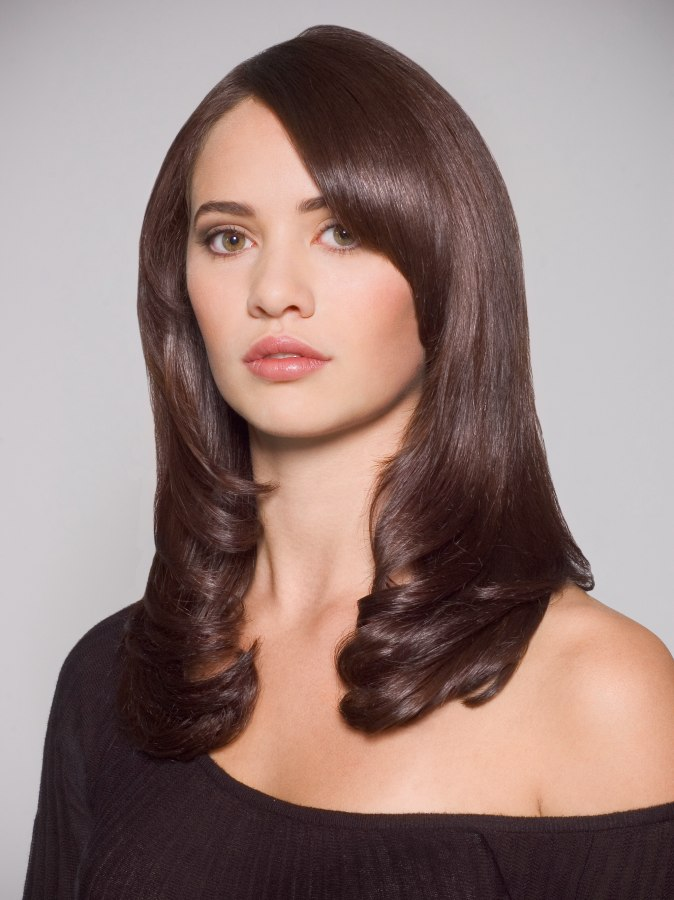 Classic Angled Layer Cut On Long Hair That Frames The Face