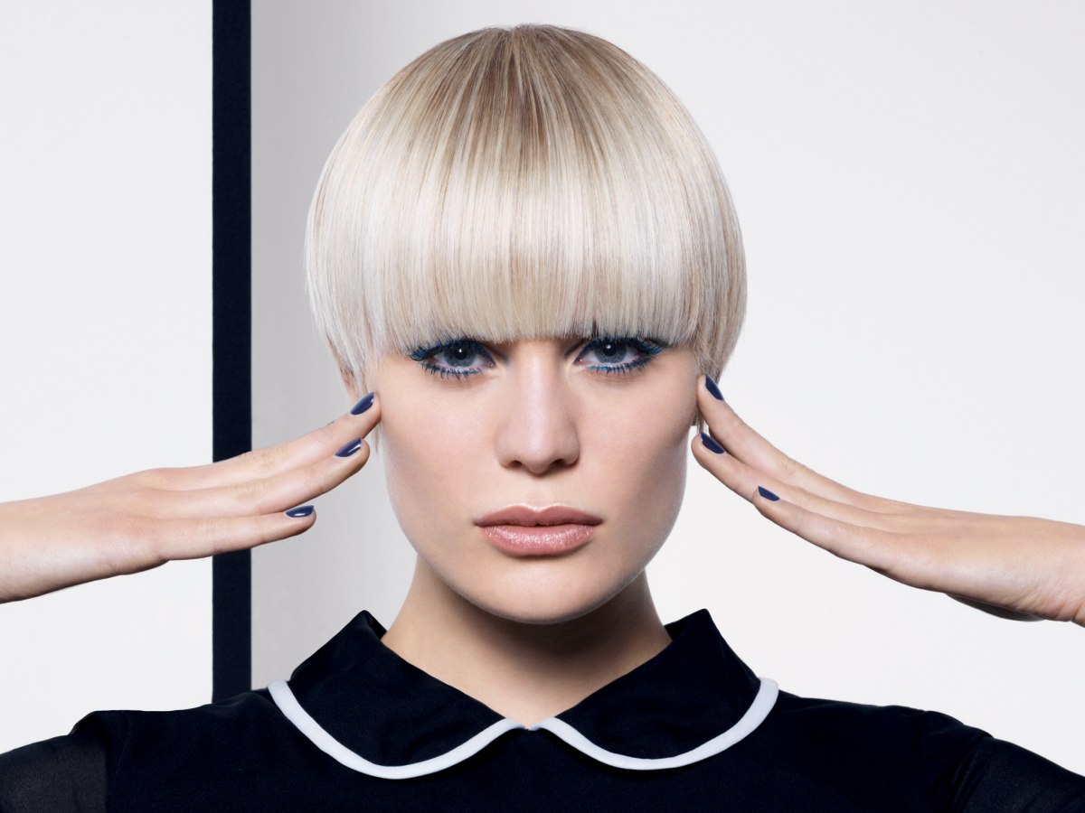 Bowl Cut Smooth Short Haircut With Fine Layers