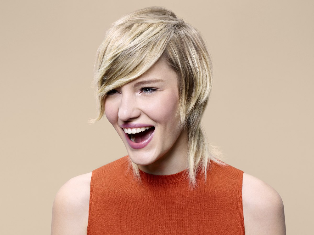 Blonde Neck Length Hairstyle With Layers