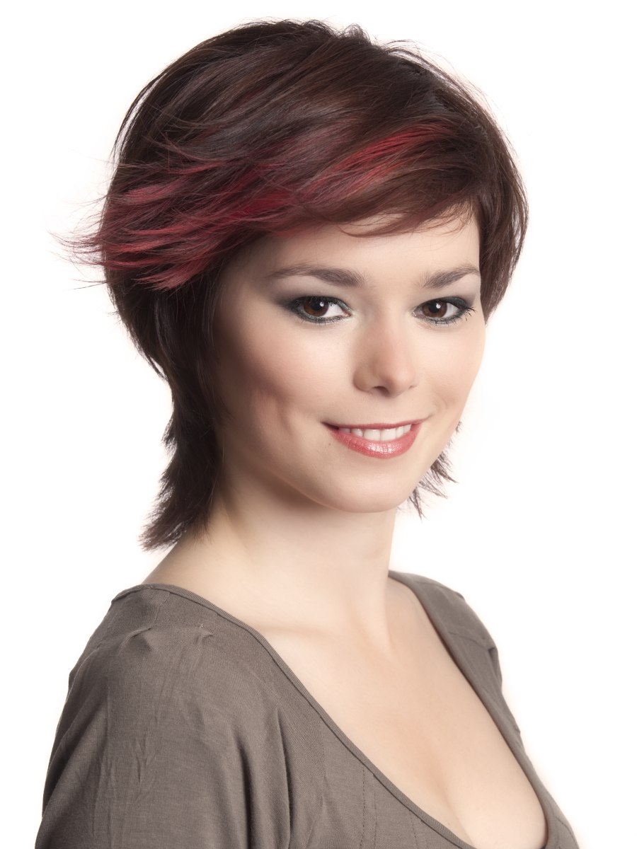 Short Haircut With Longer Hair In The Neck To Bring