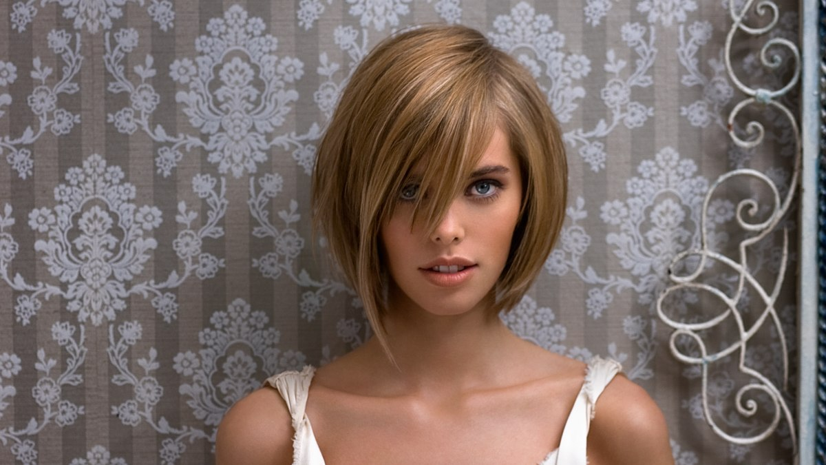 Fancy Bob With Asymmetry And One Long Strand