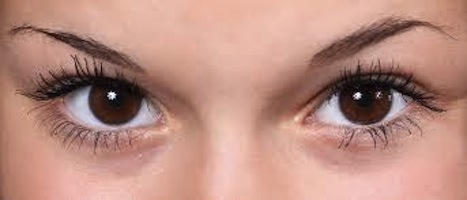 Sparse eyebrows - why do they happen and what can you do about them?