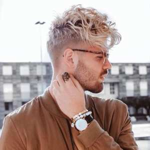 men-with-white-undercut-curly-hairstyle