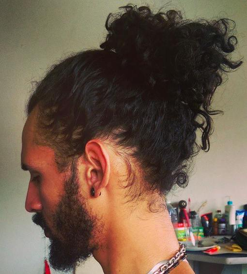 curly-ponytail