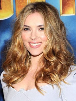 Scarlett Johansson Curly Wavy Hairstyle