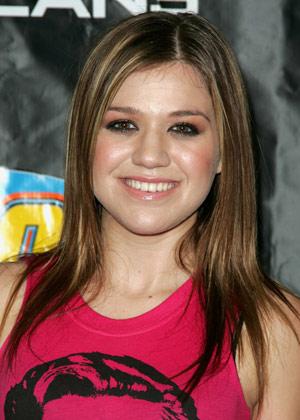 Kelly Clarksons Popular Hair Styles