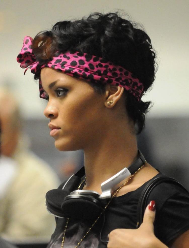 45 Charming Bandana Hairstyles For Stylish Girls Of Summer