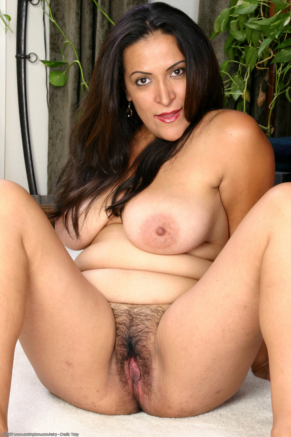 Exotic and hairy tinslee gets her bush fucked 3