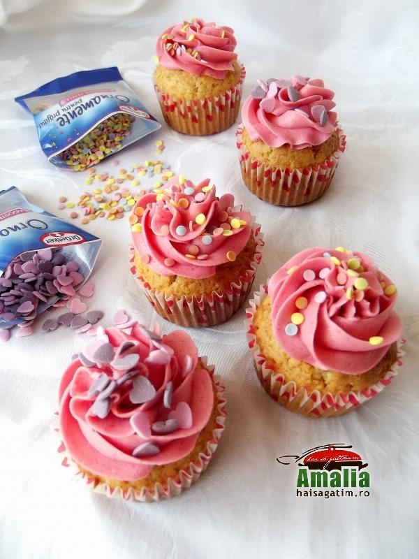 Cupcakes cu crema de zmeura si unt 10