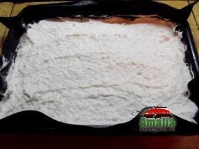 Prajitura-cu-cocos-si-mere-preparare-5