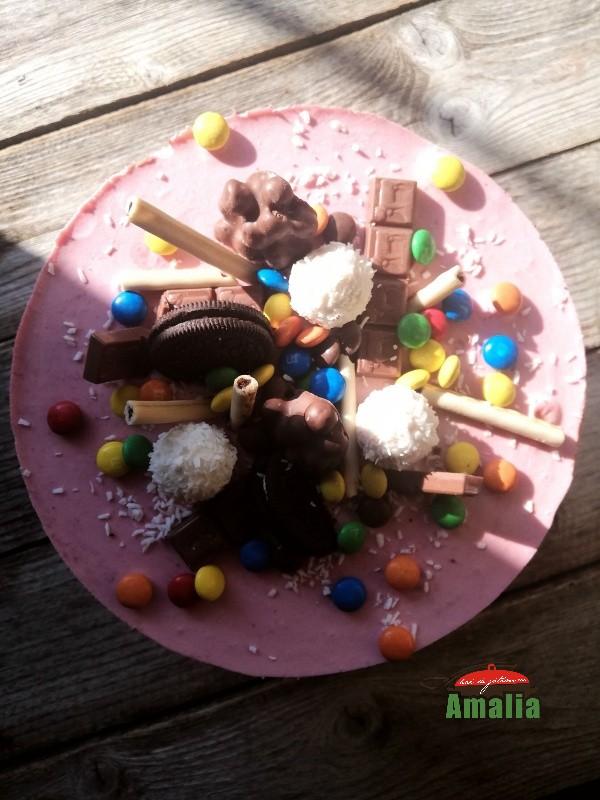 Tort-fără-coacere-cu-cremă-de-zmeura-si-ciocolata-1