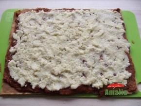 Rulada-cu-caramel-si-cocos-amalia-10