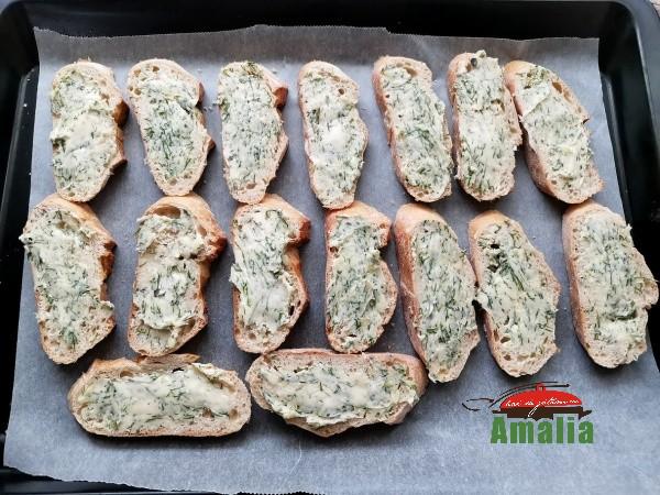 Paine-prajita-cu-usturoi-amalia-4