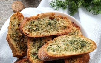 Paine-prajita-cu-usturoi-amalia-1
