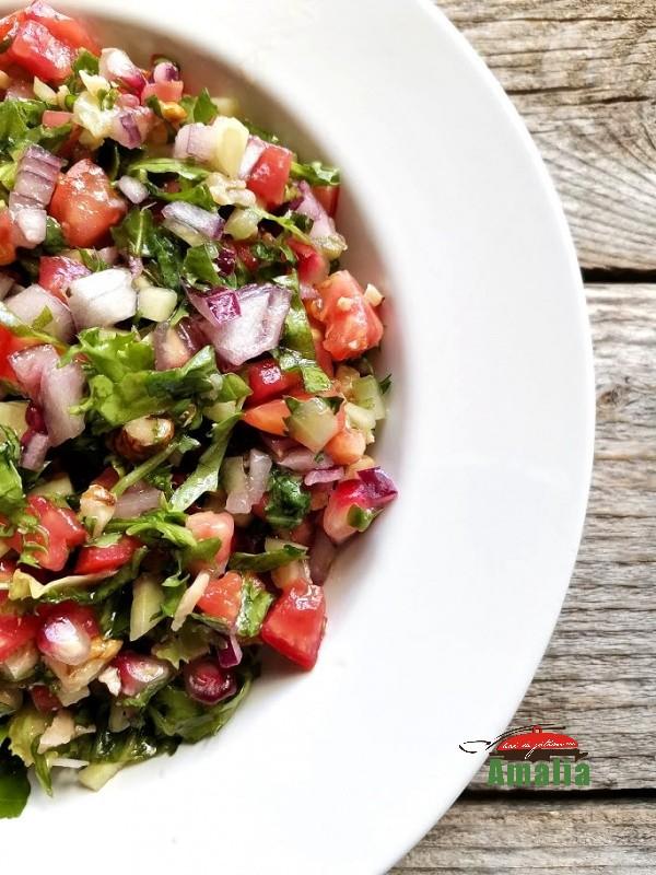 salata-cu-rucolla-rosii-si-rodie-amalia-1