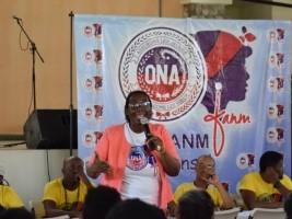 iciHaïti - Cayes : L'ONA accorde 500 prêts à des «madan sara»