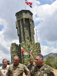 Haïti - Sécurité : 10 nouveaux complexes de surveillance frontalière seront construits en RD d'ici fin 2019