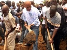 Haïti - Agriculture : Le Président Martelly aux côtés de paysans