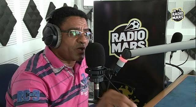 """الدولي السابق لغريسي يسب """" السواسة """" عبر محطة إذاعية"""