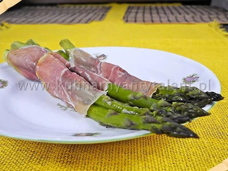 Szparagi zapiekane wfolii