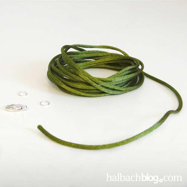 DIY-Idee halbachblog: Coole Armbänder selber machen - Step 1