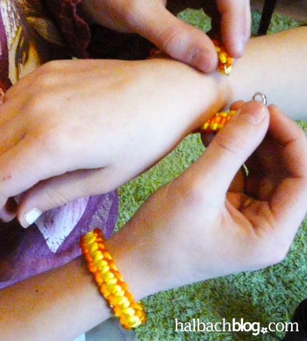 DIY-Idee halbachblog: Armbänder selber knüpfen
