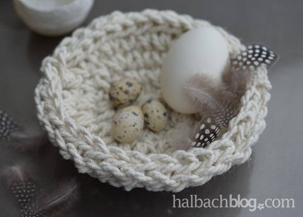 DIY-Idee halbachblog: Osternest häkeln aus dicker Jutekordel