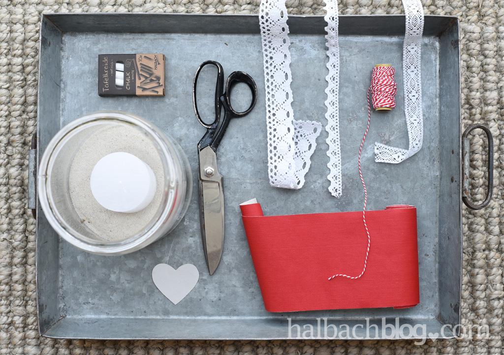DIY-Idee halbachblog: Material für Banderole aus Tafelstoff-Herzen in Rot und Spitze