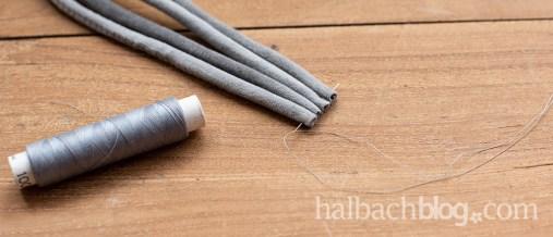 Halbachblog I DIY-Idee: Taschengurt flechten mit Samtschnur I Step-by-Step Anleitung