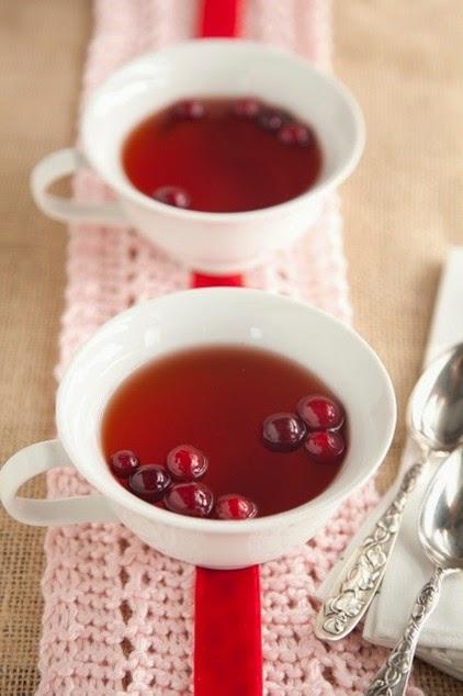 Hot Cranberry Cider – Paula Deen