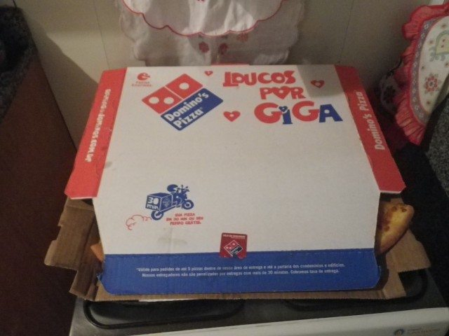 Domino's Pizza Brazil Box