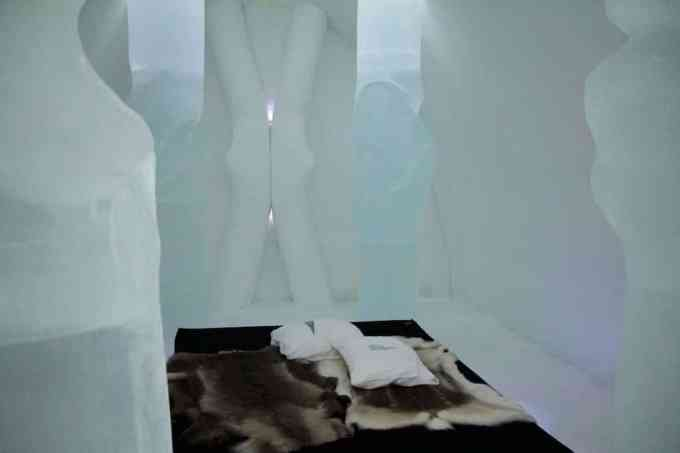 Kiruna Ice Hotel Art Room 11