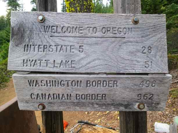 PCT Oregon Border Sign